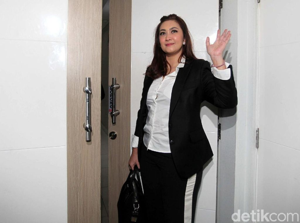 Senyum Nafa Urbach Setelah Pria yang Komentar Loli Ditangkap
