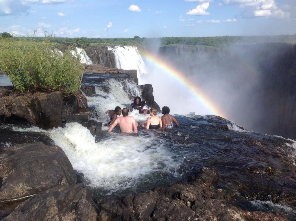 Daftar 59 Negara Buka Gerbang buat Turis