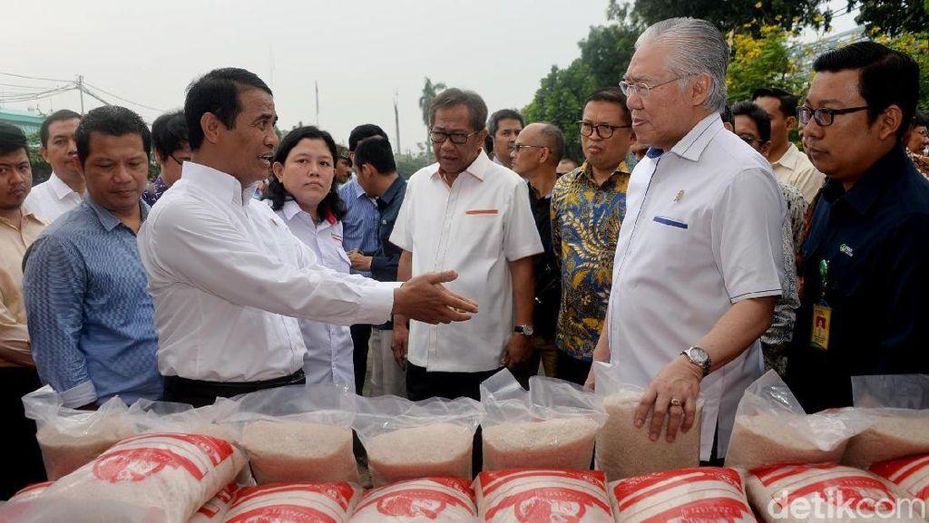 Dua Menteri Jokowi Cek Beras ke Pasar Induk Cipinang