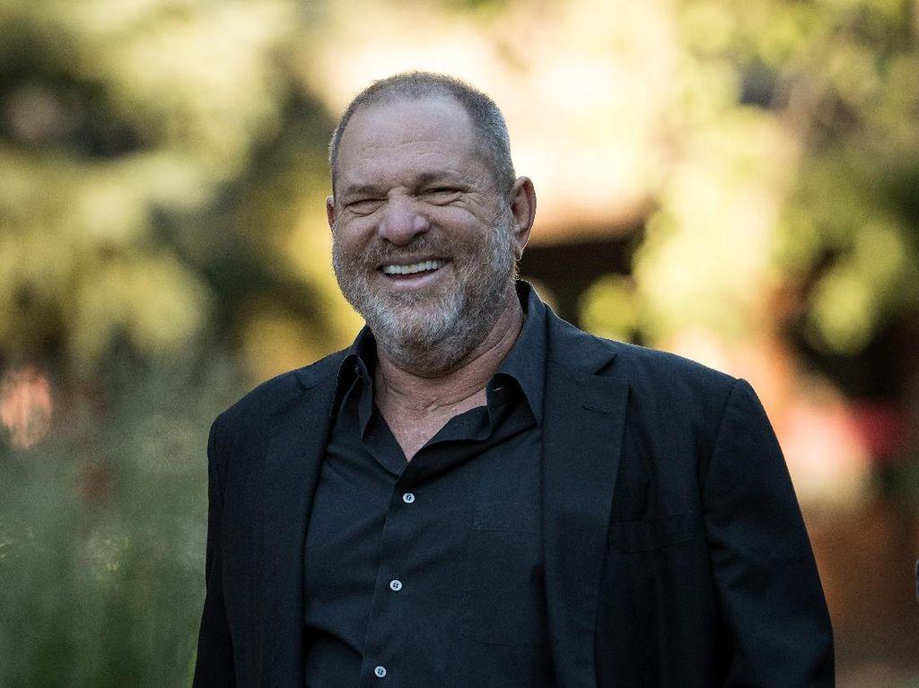 Predator Seks Harvey Weinstein Diisolasi di Penjara usai Positif Corona