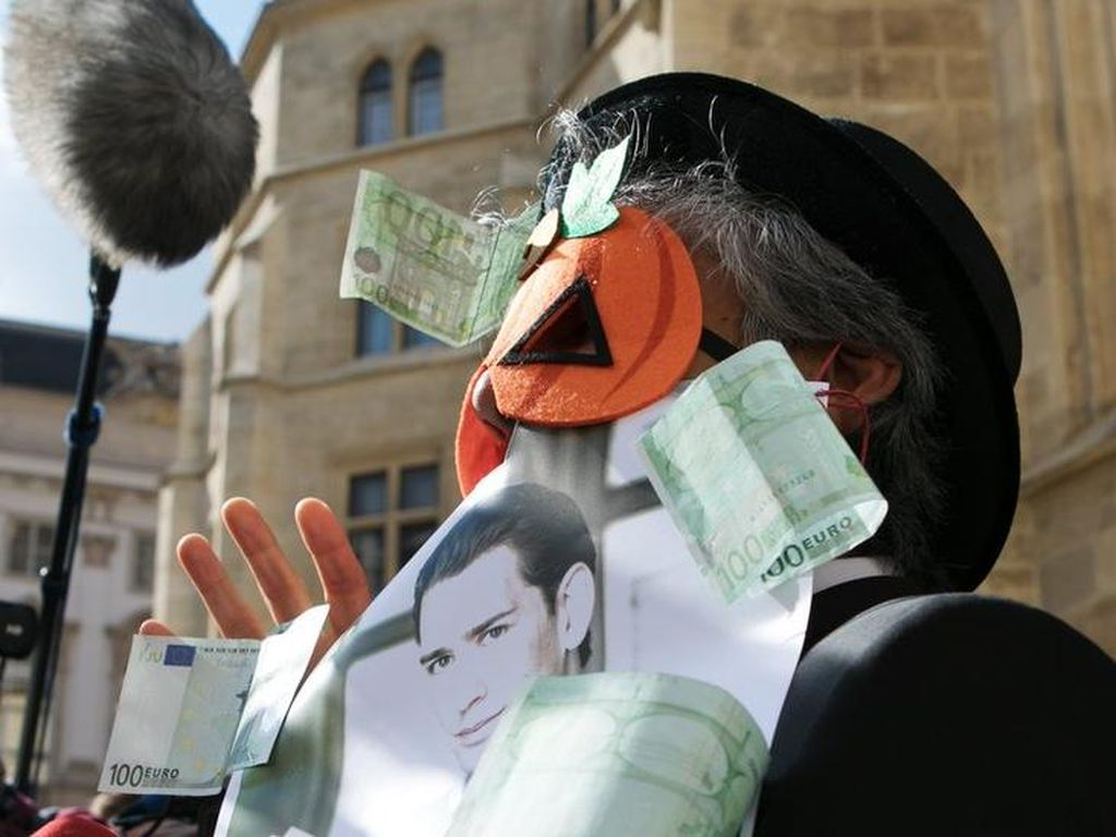 Tegakkan Larangan Niqab dan Burka, Polisi Austria Tindak Pemakai Topeng