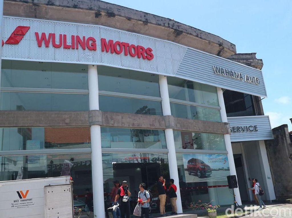 70 Persen Wuling Confero Dibeli dengan Cara Kredit