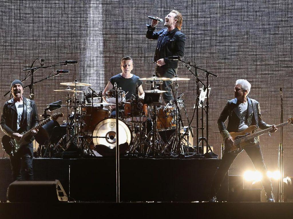 Bono Kehilangan Suara, U2 Tak Lanjutkan Konsernya di Berlin