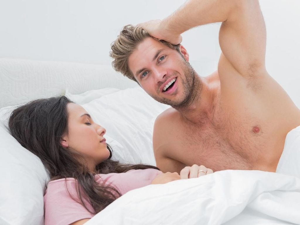 Mengimbangi Seksualitas Suami yang Lebih Muda 4 Tahun