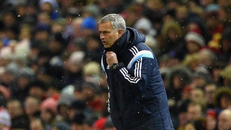 Duka dan Bahagia Mourinho di Anfield