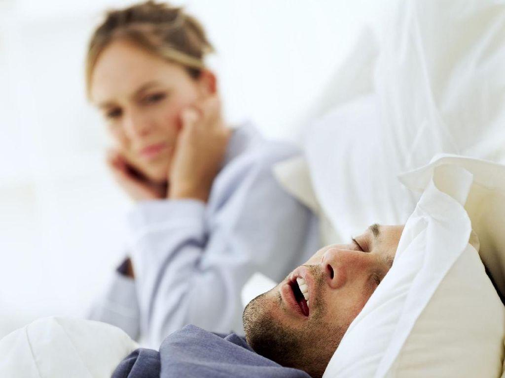 Kebiasaan Tidur yang Mengganggu Hubungan Ranjang Pasutri