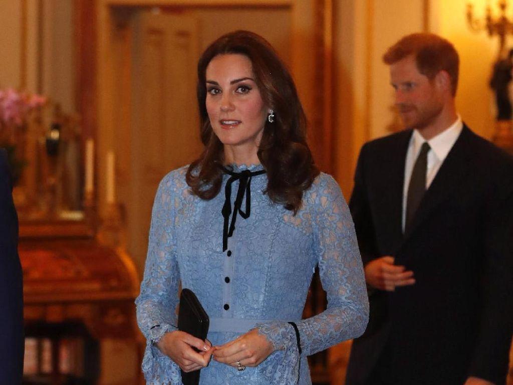 Foto: Kecantikan Kate Middleton Saat Pamer Perut Buncit di Kehamilan Ketiga