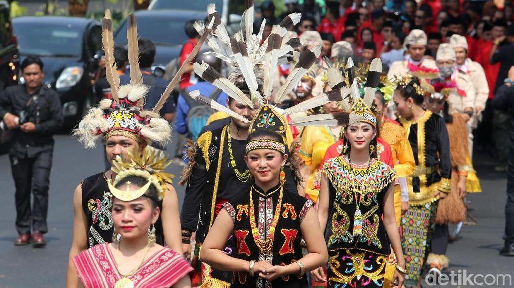 Kirab Budaya Ramaikan Pendaftaran PDIP ke KPU