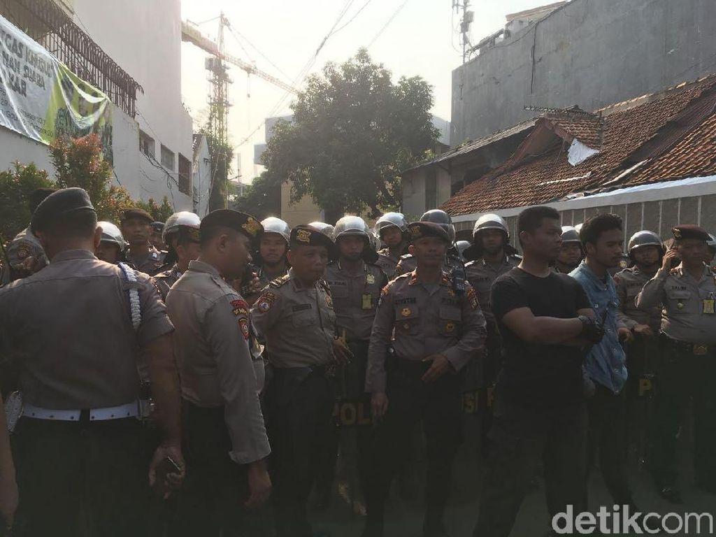 Polisi: Ada 500 Personel Kami Berjaga Amankan Pleno Golkar