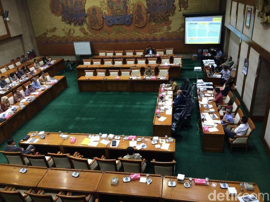 Banyak Hantu di Rapat DPR Soal Bayar Tol Non Tunai