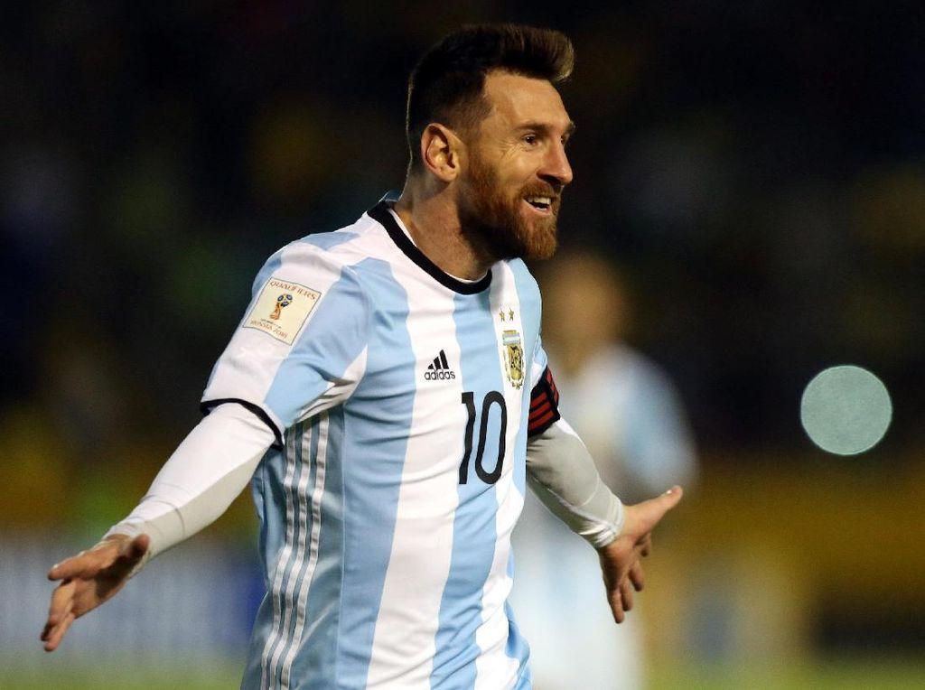 Messi Loloskan Argentina seraya Ukir Rekor Baru