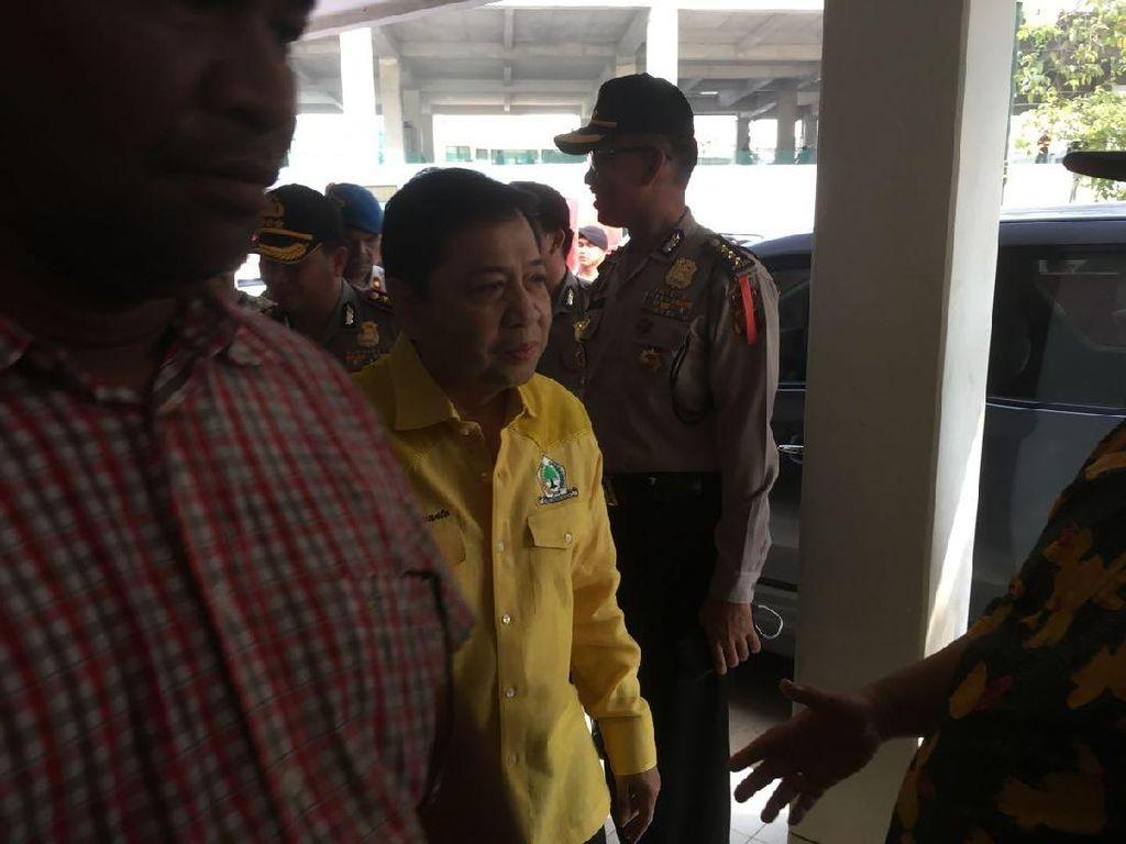Ketatnya Pengawalan Brimob di Rapat Golkar yang Dipimpin Novanto