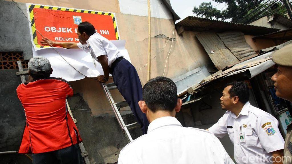 Razia Penunggak Pajak di Jakarta Timur