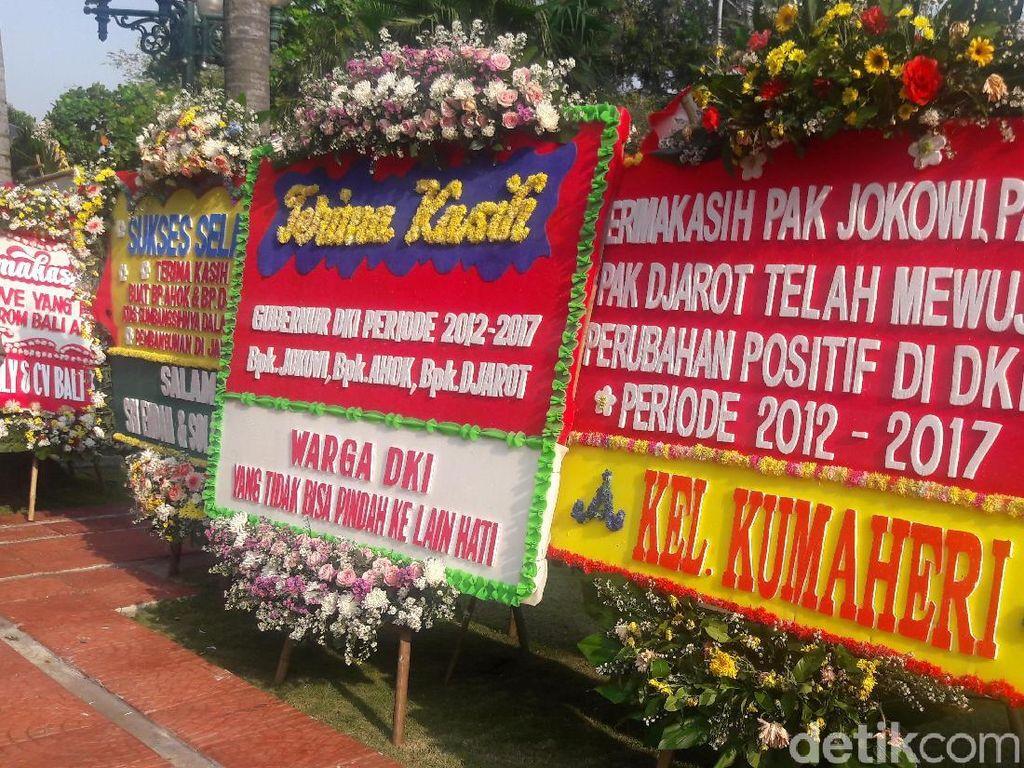 Parade Karangan Bunga di Balai Kota DKI