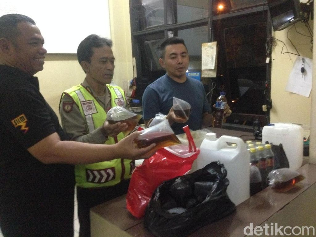 Pesta Miras Oplosan Pakai Jengkol, 4 Orang Tewas di Cipayung