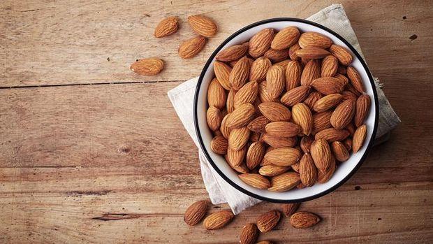 Almond dipercaya sebagai ASI booster