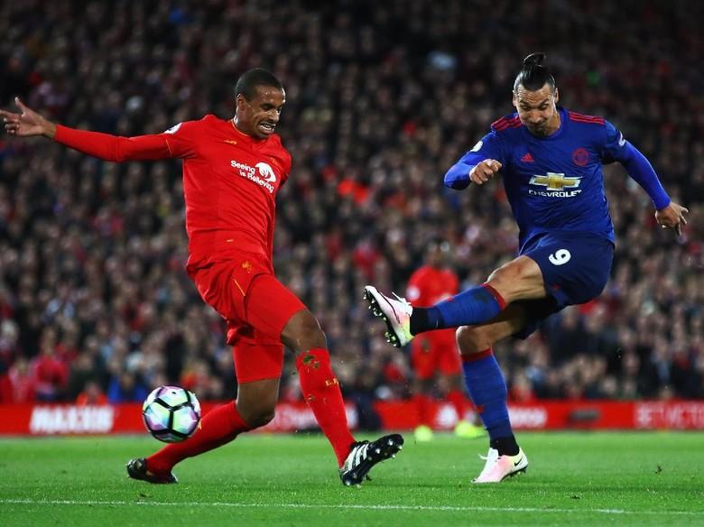 Dalglish: Tak Ada Aturan MU Dilarang Bermain Defensif di Anfield