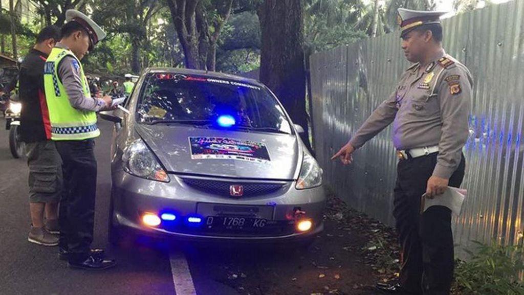Puluhan Mobil Terjaring Razia Rotator di Jakarta
