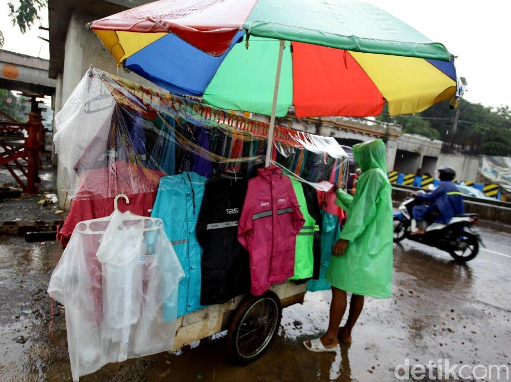 Jas Hujan Kalong Hanya untuk Menutupi Barang