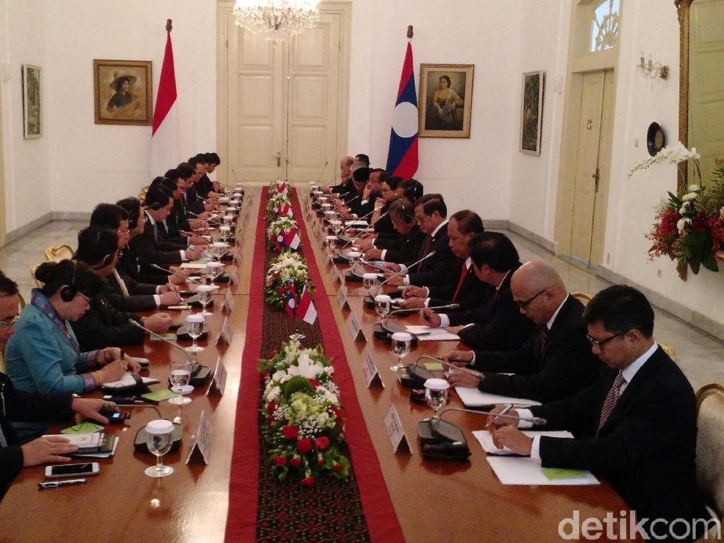 Jokowi dan PM Laos Sepakat Bantu Masalah Rohingya