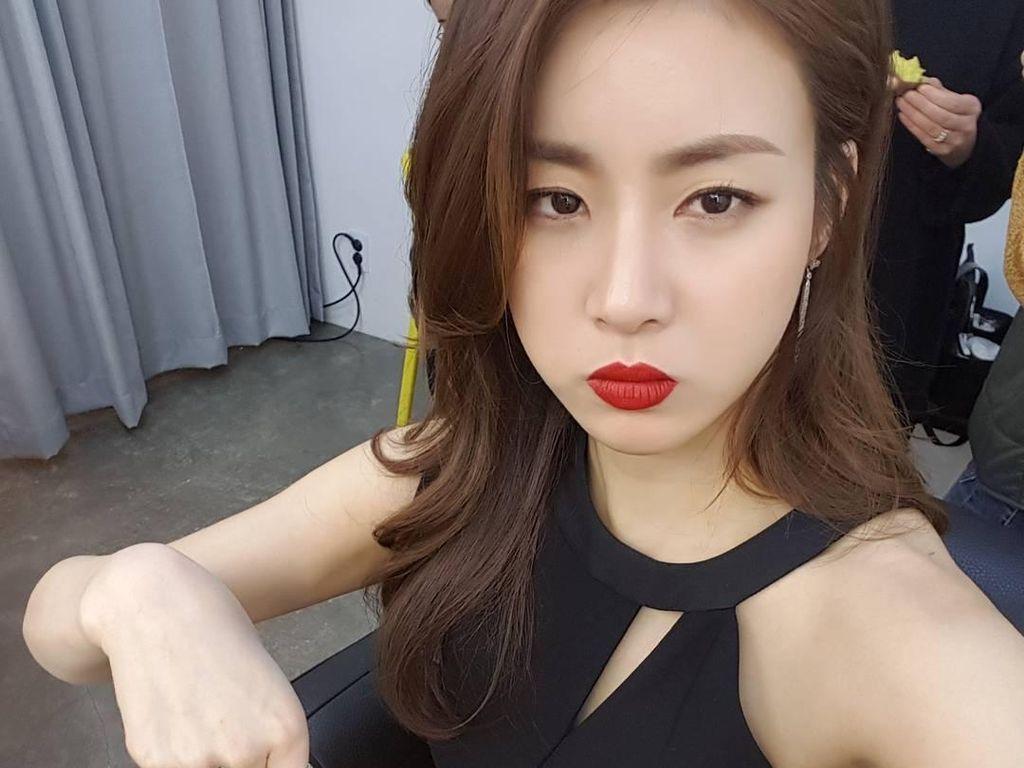 Ekspresi Kang Sora saat Sheryl Tanya Rahasia Kecantikannya