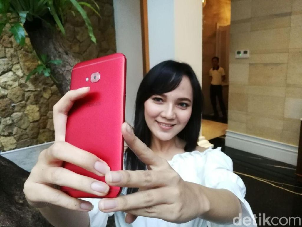 Asus Siap Luncurkan Zenfone 4 Selfie di Indonesia