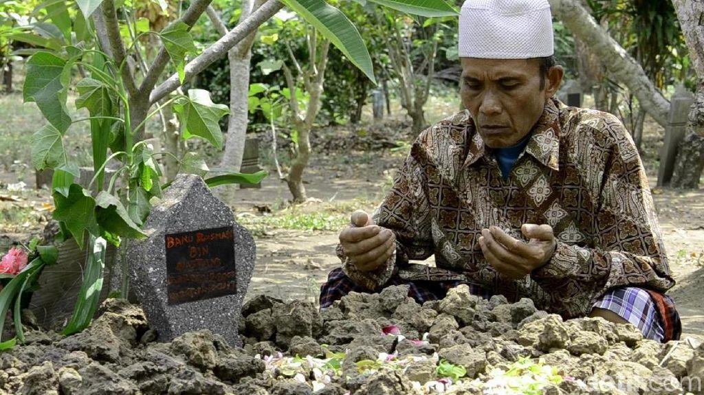 Suasana Duka Selimuti Pemakaman Banu, Suporter Persita di Pekalongan