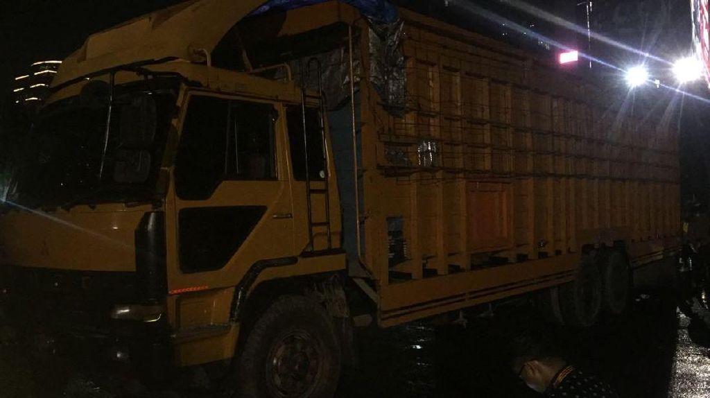 Truk Pengangkut 300 Kg Ganja Dimodifikasi untuk Kelabui Petugas