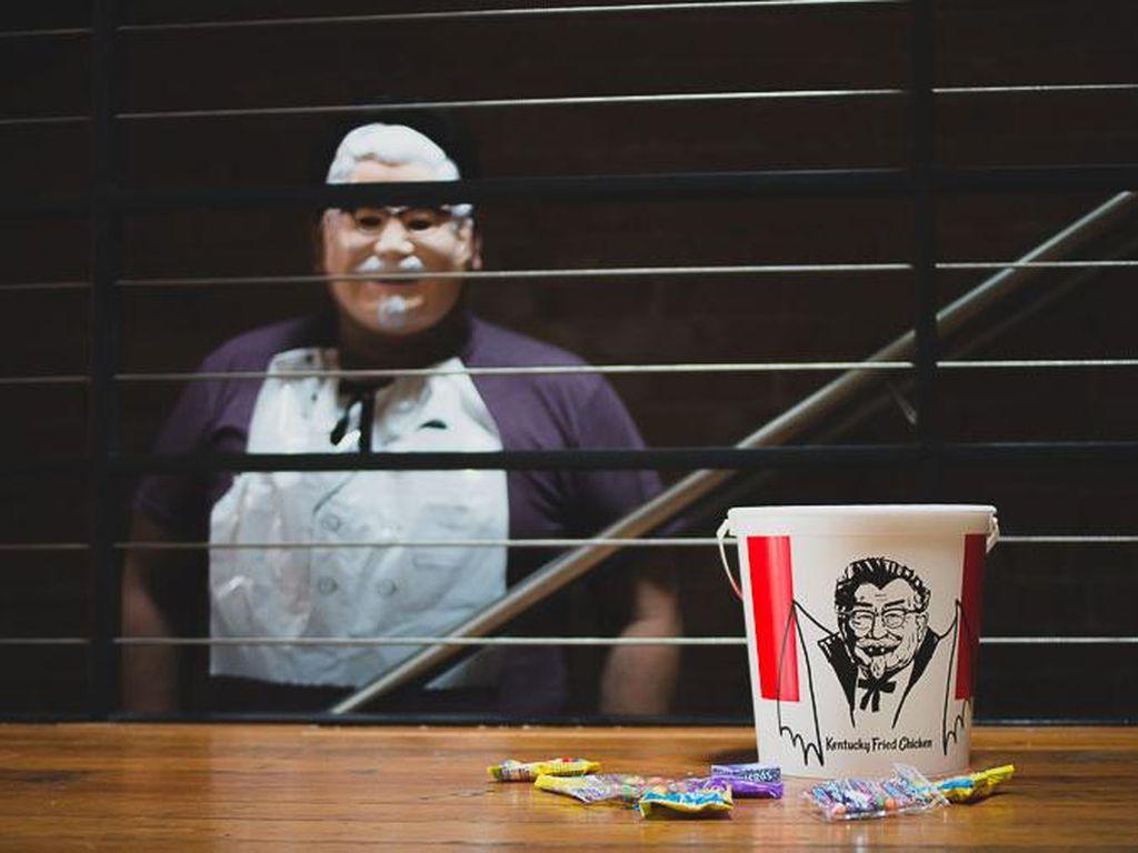 Sambut Halloween, KFC Hadirkan Kostum Pesta A la Colonel Sanders