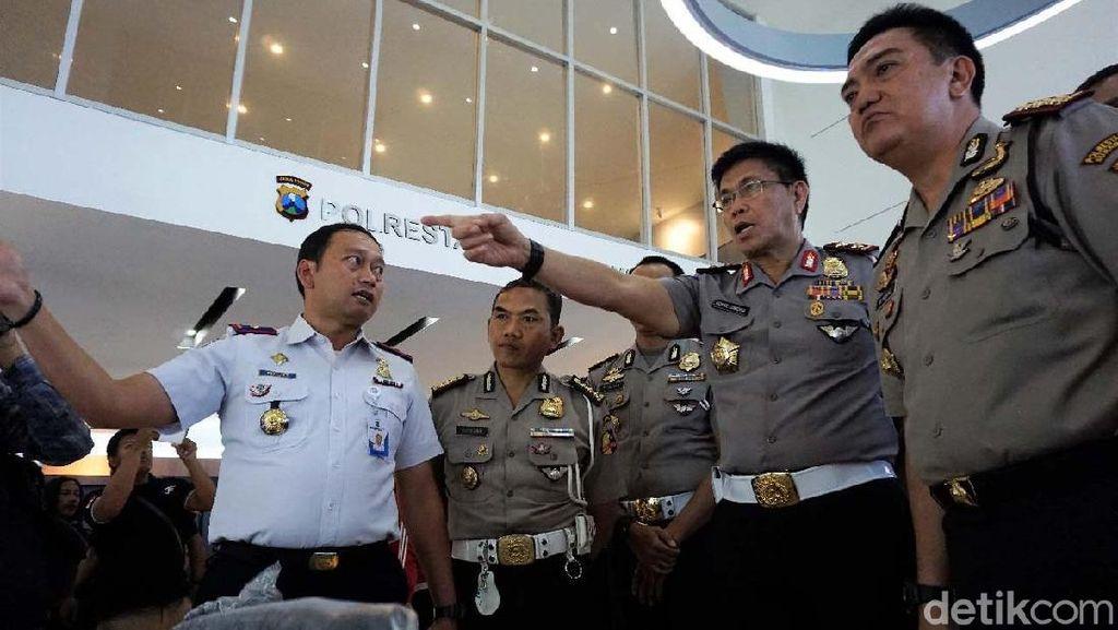 Command Center Polrestabes Surabaya Tuai Pujian
