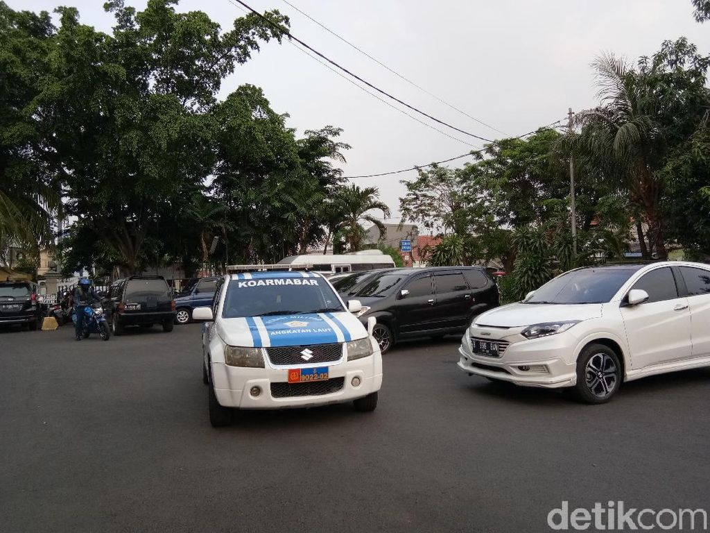 Anggota TNI dan Pemobil yang Baku Hantam Diperiksa di Polres Jaktim