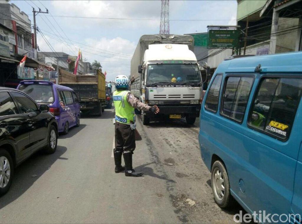 Ragam Cerita Warga Lewati Horor Macet Jalur Sukabumi-Bogor