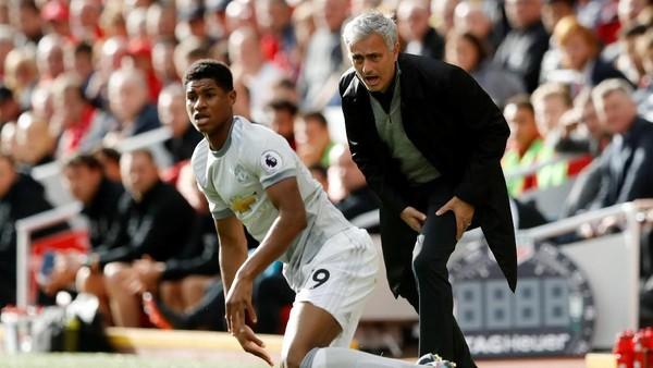 Mourinho Puji Klopp yang Tak Terpancing Ubah Pola Bermain Liverpool