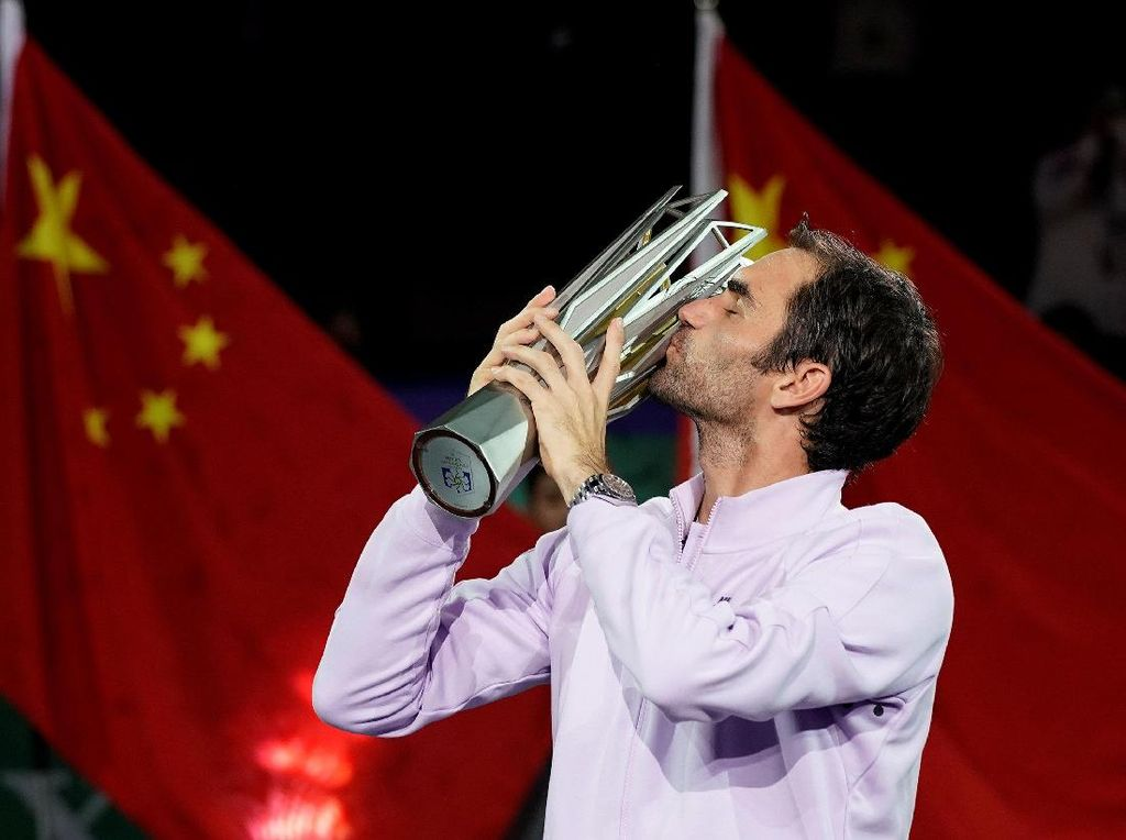 Kalahkan Nadal Straight Set, Federer Juarai Shanghai Masters