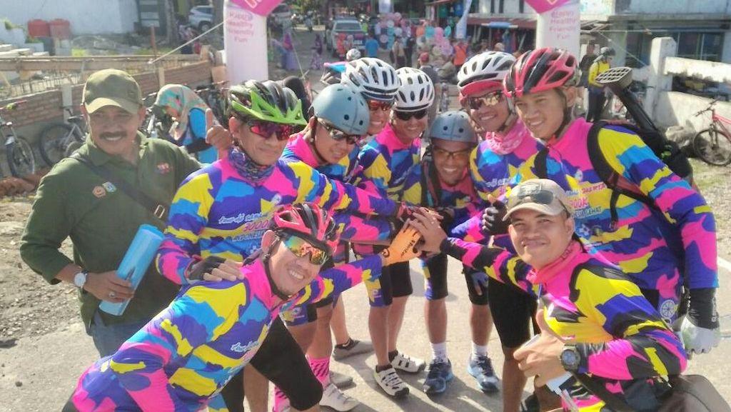 Berangkat!! Puluhan Peserta Gowes Sepeda 3.000 Km Sabang-Jakarta