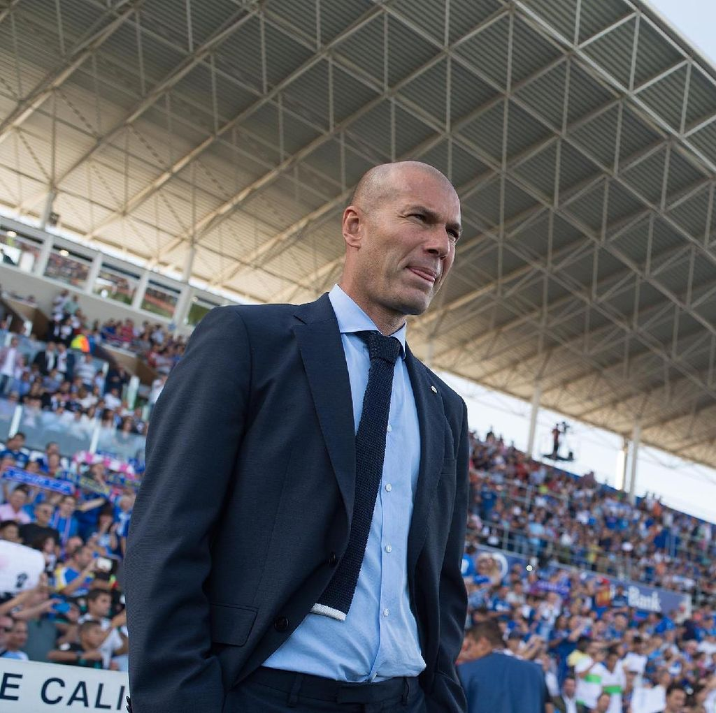 Zidane Tandai Laga ke-100 bersama Madrid dengan Kemenangan