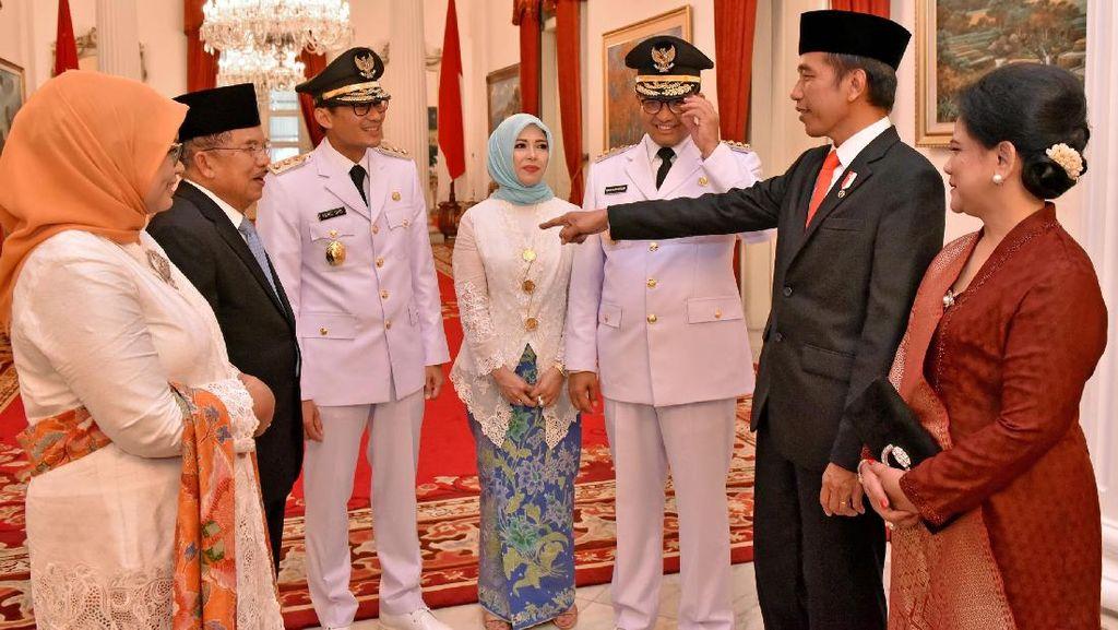 Jokowi Ajak Ngobrol Anies-Sandi Usai Pelantikan