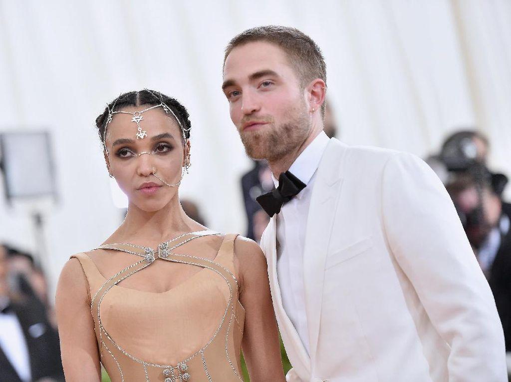 FKA Twigs Pernah Dibully Fans Robert Pattinson, Disebut Seperti Monyet
