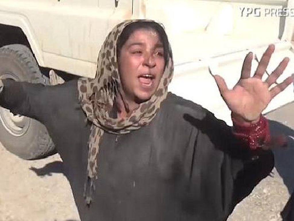 Begini Luapan Kebahagiaan Wanita Suriah Terbebas dari ISIS