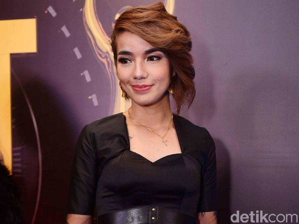 Menjauh dari Dunia Hiburan, Sheila Marcia Kini Menetap di Bali