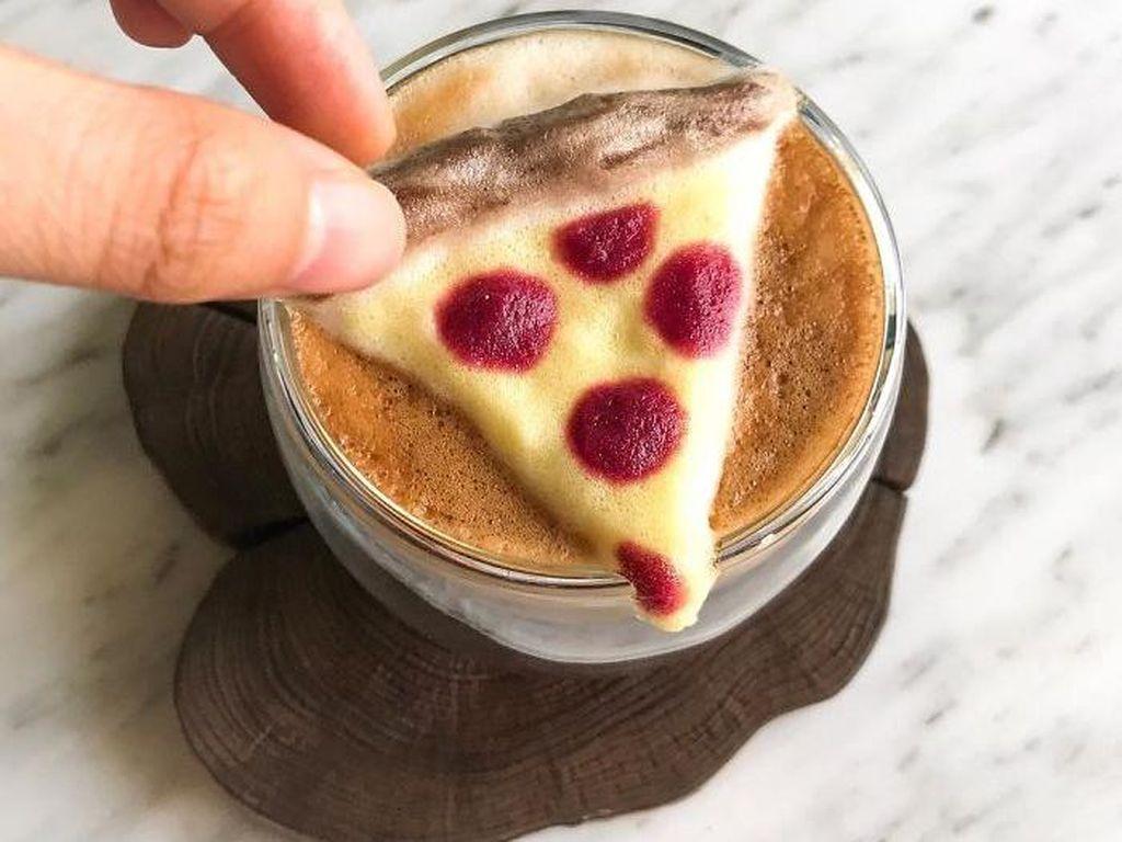 Lucunya! Kreasi Busa di Permukaan Minuman Berbentuk Gurita hingga Pizza
