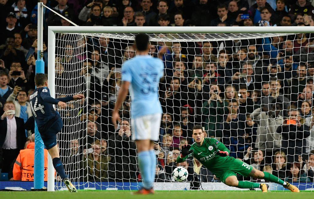 Ederson, tembok kokok Manchester City