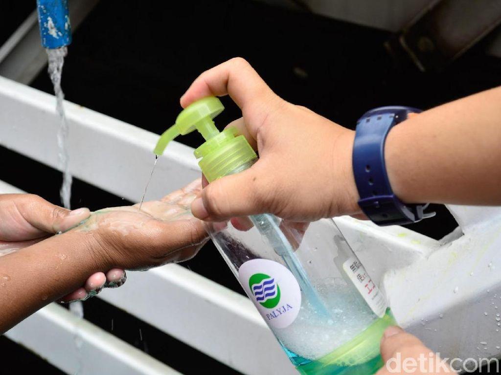 Terlalu Sering Pakai Hand Sanitiser Justru Bikin Rentan Terkena Virus Corona