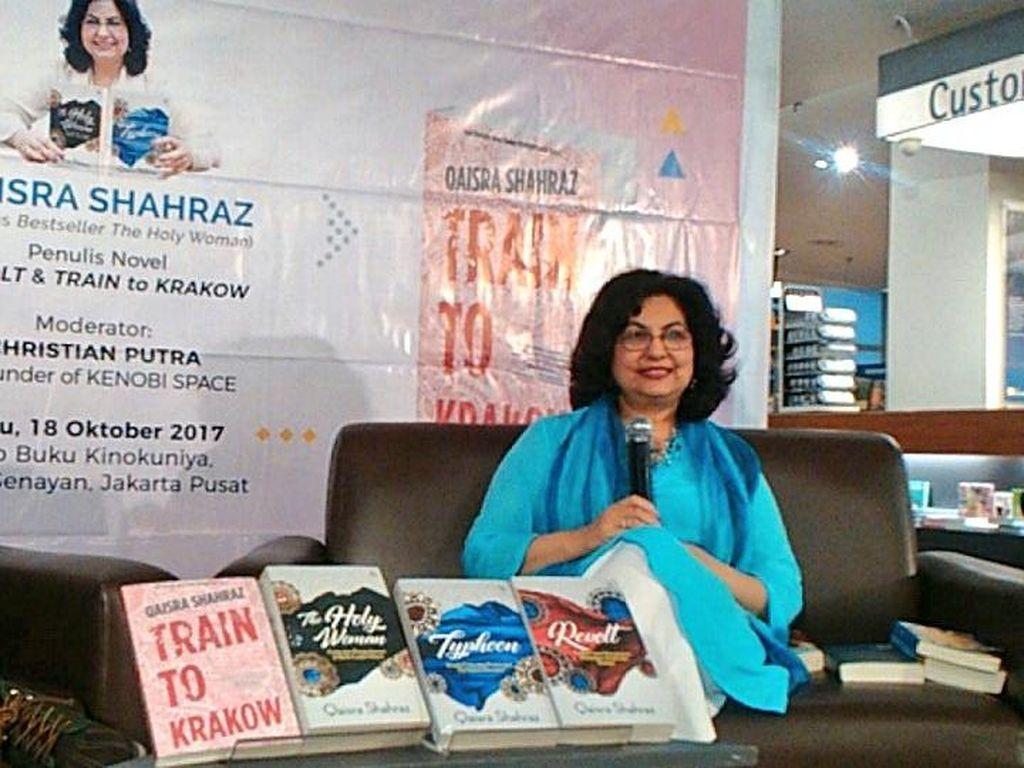Buku Train to Krakow dan Revolt Qaisra Shahraz Rilis di Jakarta