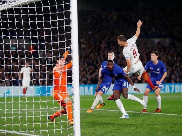 Chelsea saat melawan AS Roma di matchday 3 Liga Champions (Foto: Eddie Keogh/Reuters)