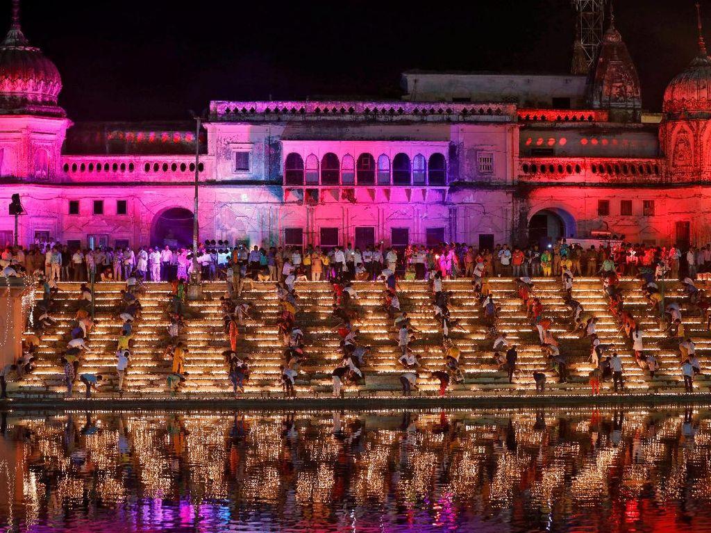 Foto: Melihat Kemeriahan Festival Diwali yang Juga Mencetak Rekor