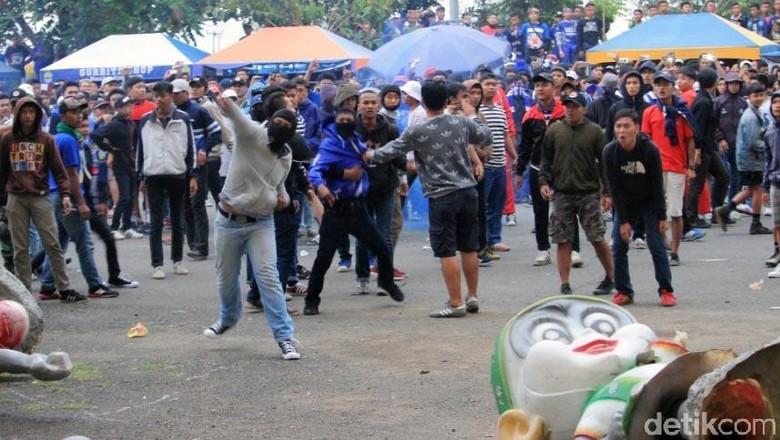 Polisi Imbau Bobotoh Jaga Ketertiban dan Tidak Berbuat Onar