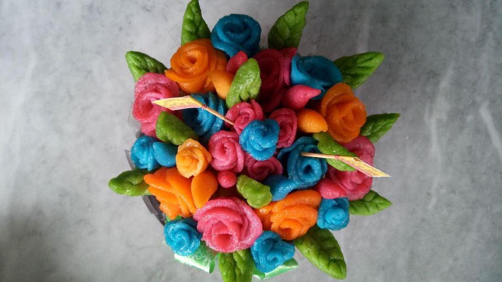 Kreatif! Pempek Ulang Tahun Ini Dibentuk Mirip Buket Bunga Hingga Ikan Nemo
