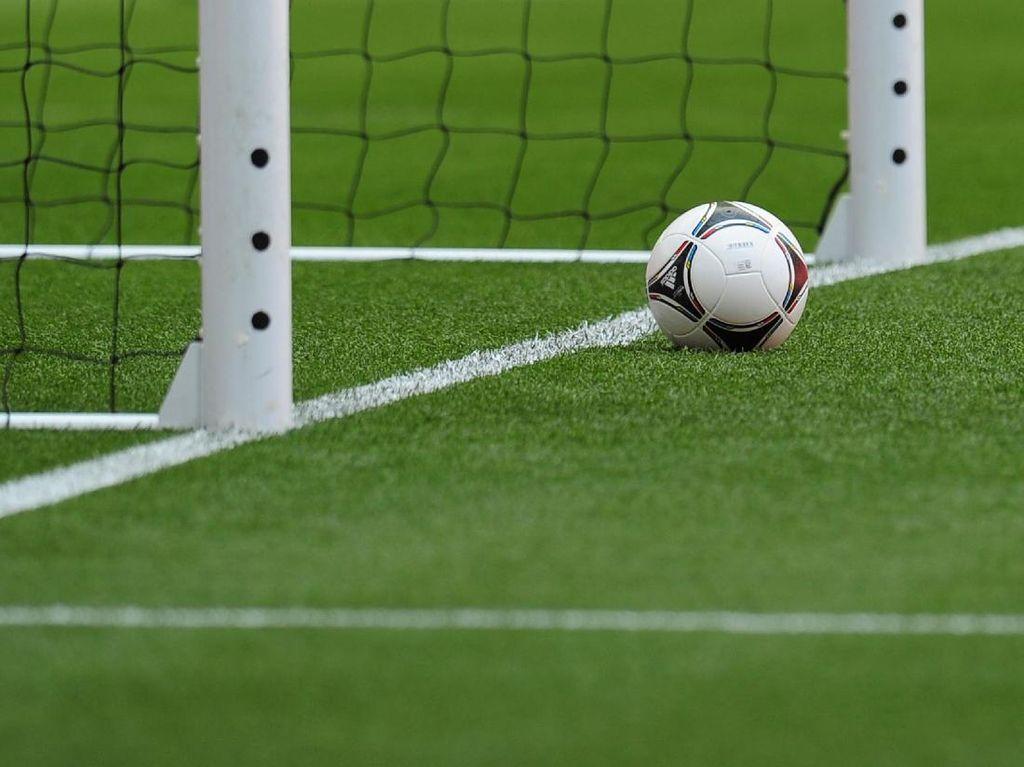 Klub Sepakbola Ini Putuskan Nasib Pemain Lewat Polling Twitter