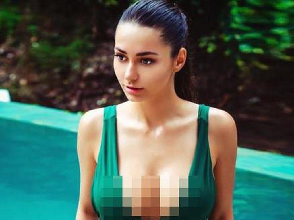 Helga, Model Cantik dan Seksi Pol yang Konon Bikin James Rodriguez Cerai